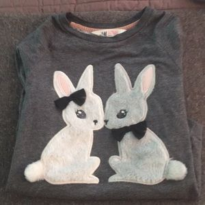 Set of 2 girls H&M sweatshirts in GUC size 8/10